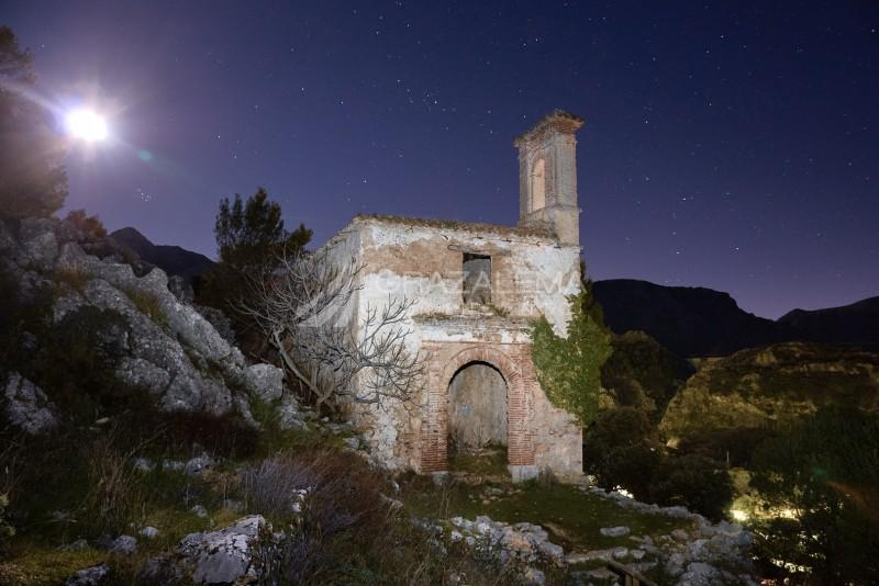 Ermita del Calvario con estrellas Imagen