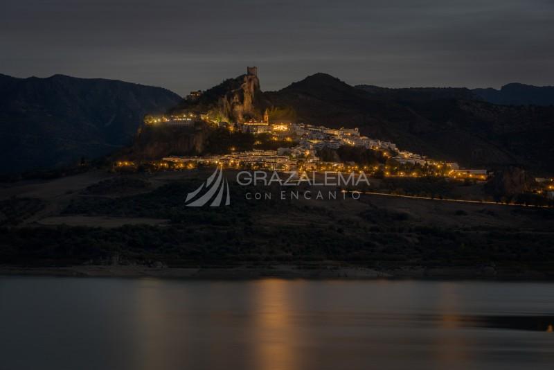 Vistas nocturnas de Zahara de la sierra Imagen