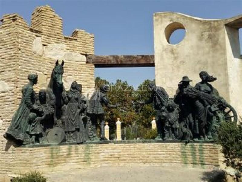 Monumento al V Centenario Imagen